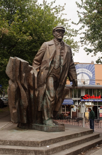 xStatue_of_Lenin_Seattle